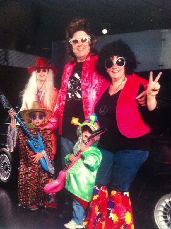 Elvis lebt... und er hat 'ne coole Familie! :D